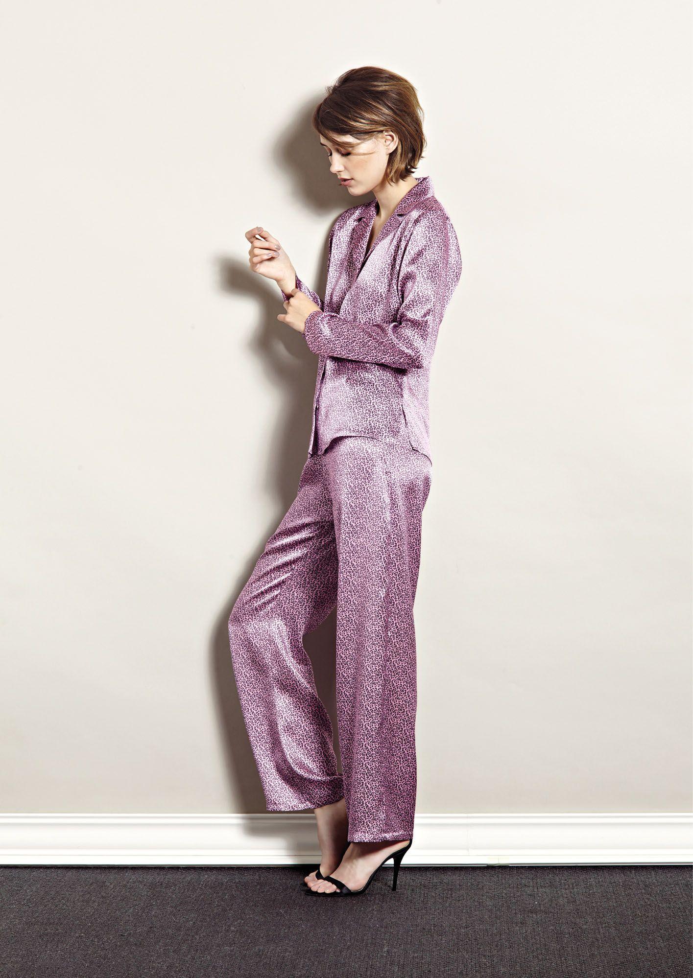 panth re rose pyjama ines de la fressange. Black Bedroom Furniture Sets. Home Design Ideas