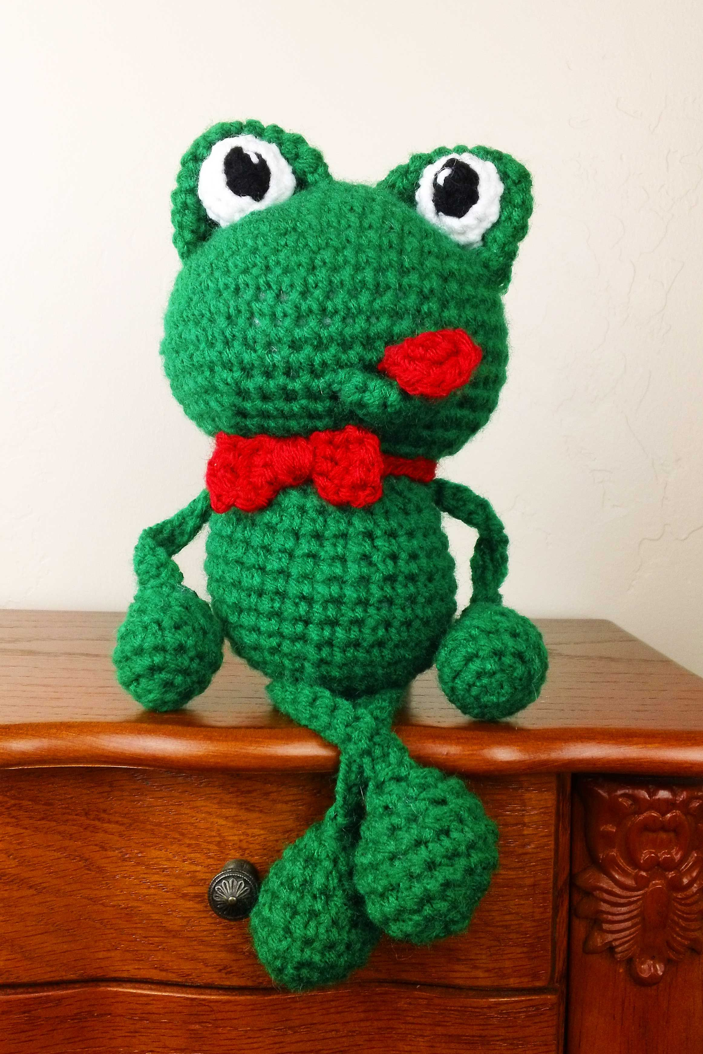 Crochet frog pattern frogs pinterest crochet frog frogs and the best free crochet frog pattern is found here at crochet guru bankloansurffo Image collections