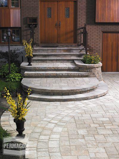 Terrasse et marches de la porte patio en dalles (pavé-uni) Pavage - terrasse pave et bois
