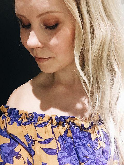 A'la Annn: Floral Print Off-the-Shoulder Blouse
