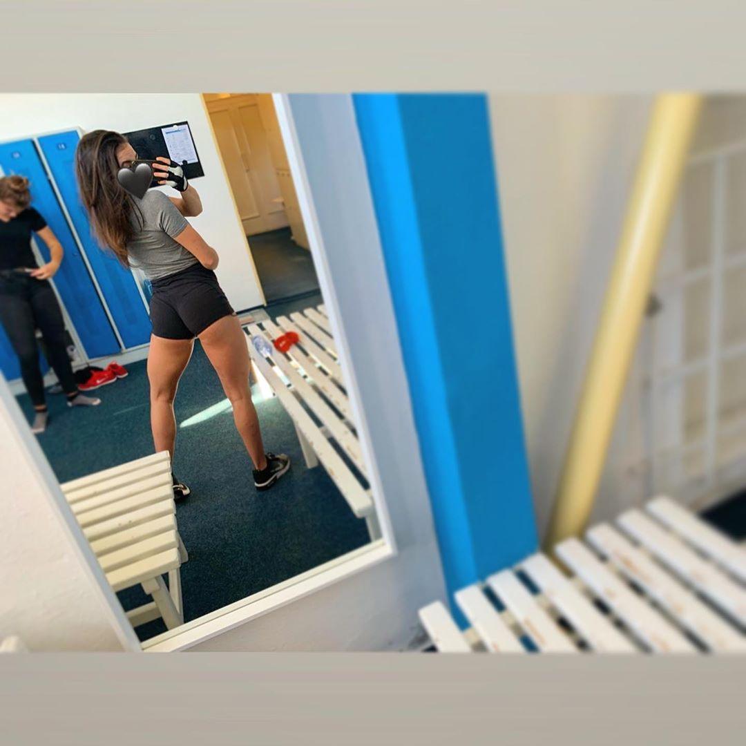 Ono to nepůjde samo;) #czechgirl #czech #girl #ostrava #ostravagirl #fitness #fitnessgirl #brunetteg...