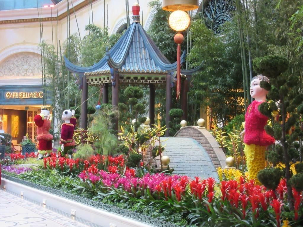 ab18db7fc1e7721534b61bb18c54a0da - Bellagio Conservatory & Botanical Gardens Las Vegas