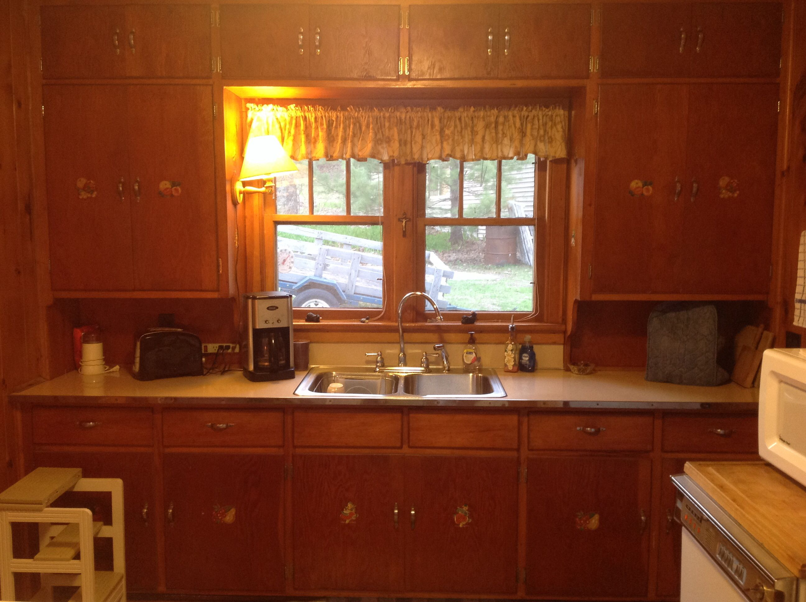 kitchen cabinet with hutch ccc cabin kitchen cabinet ideas pic 1 of 3 1930 5871