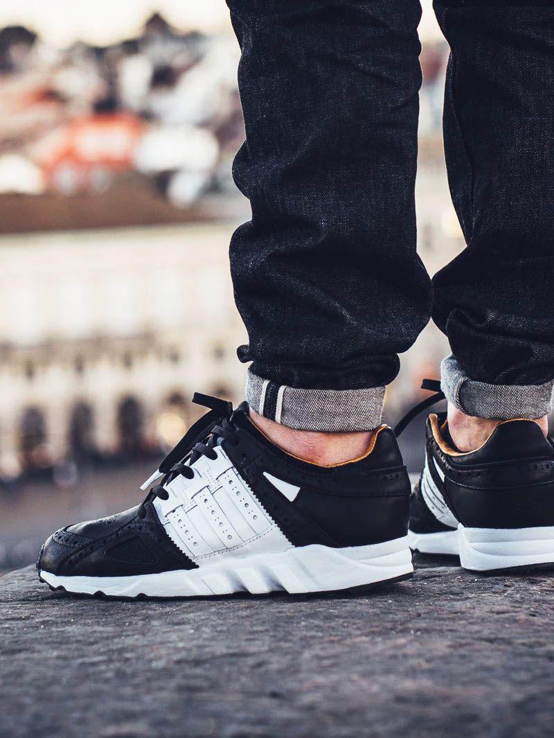 NiKe oder Adidas Sneakers equipment