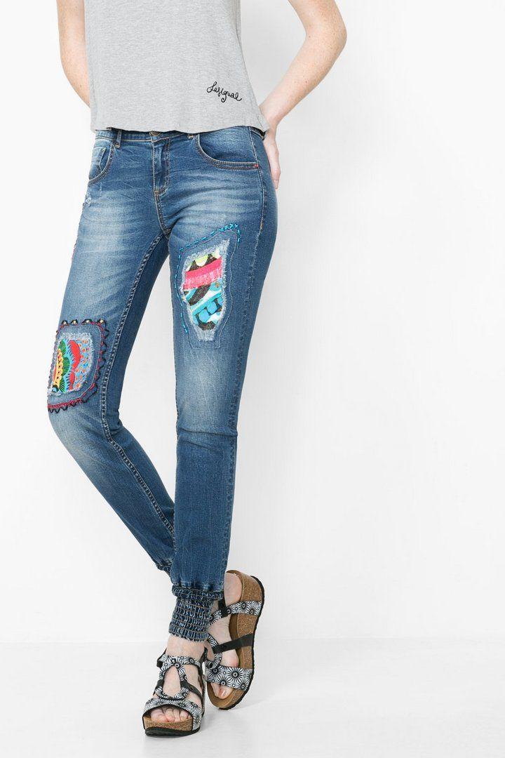 2f96feaf60 Jeans con puño elástico Desigual. ¡Descubre la moda de mujer con más  actitud!