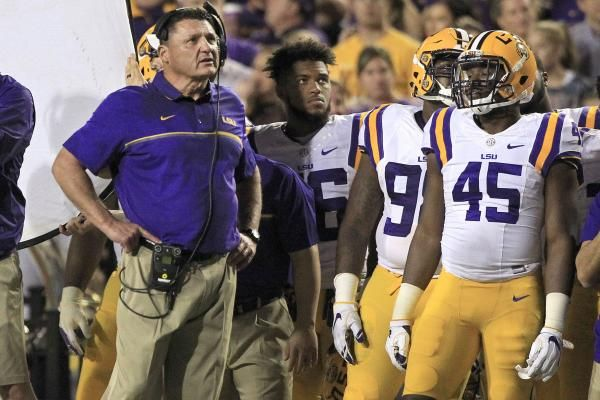 Lsu Tigers Hire Pitt Panthers Matt Canada As Offensive Coordinator Qb Coach Lsu Tigers Football Football Lsu