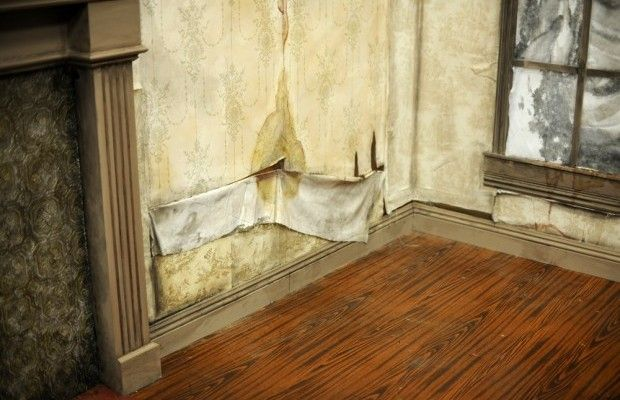 How To Create Water Stains And Aging On Wallpaper