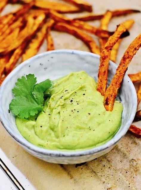 Avocado mayo met zoete aardappel frietjes | Healthy Wanderlust #gezondeten