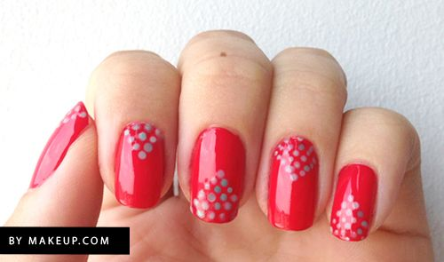 triangle polka dot manicure