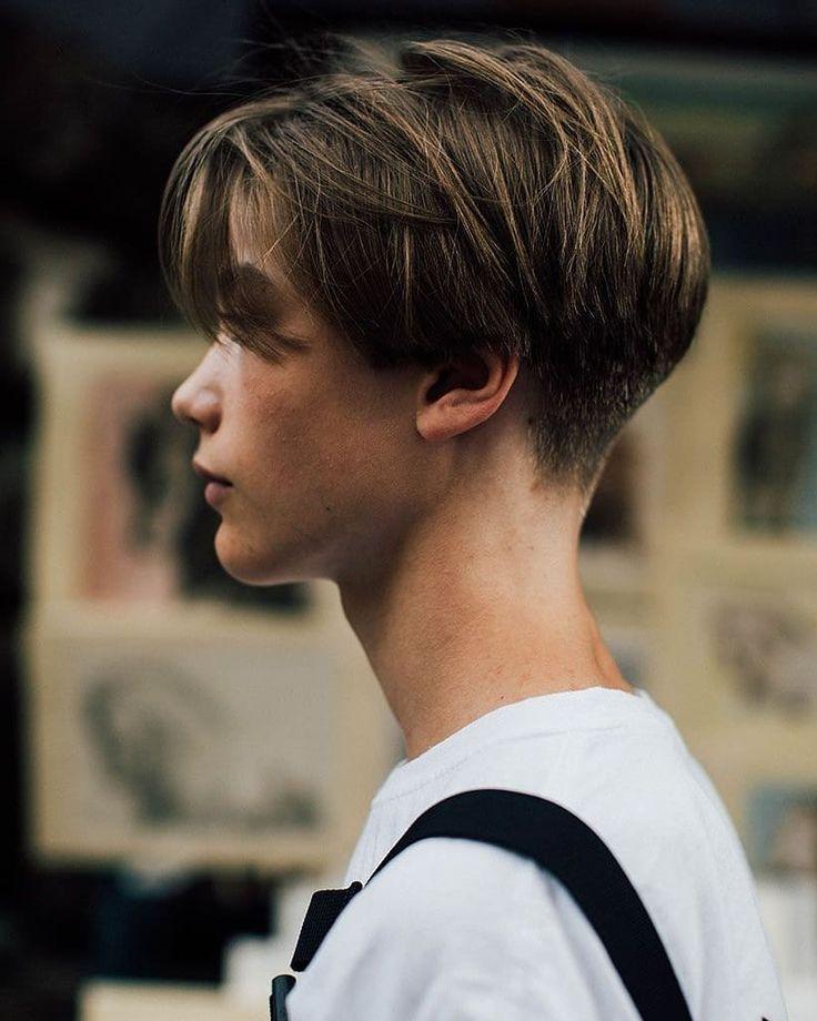 Das Bild Kann Enthalten Eine Oder Mehrere Personen Nahaufnahme Und Outdoor Aktivitaten Mittellange Haare Frisuren Manner Haar Frisuren Manner Herrenschnitte