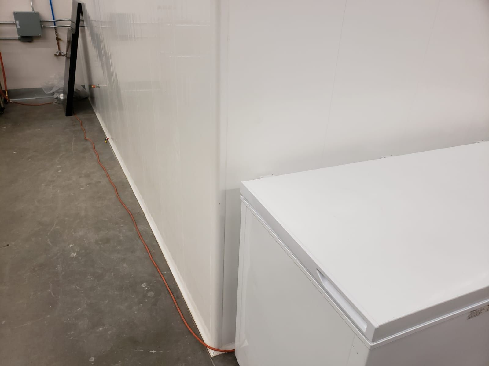 Are Vinyl Panels From Duramax Better Than Frp Wall Panels Pvc Panels Vinyl Panels Pvc Wall Panels