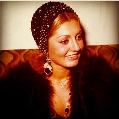 Mona ahmadian in dating sites