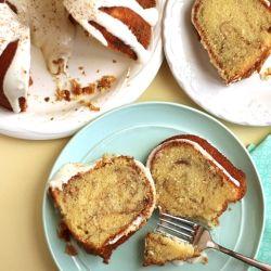 Cinnamon Roll Pound Cake by grandbabycakes