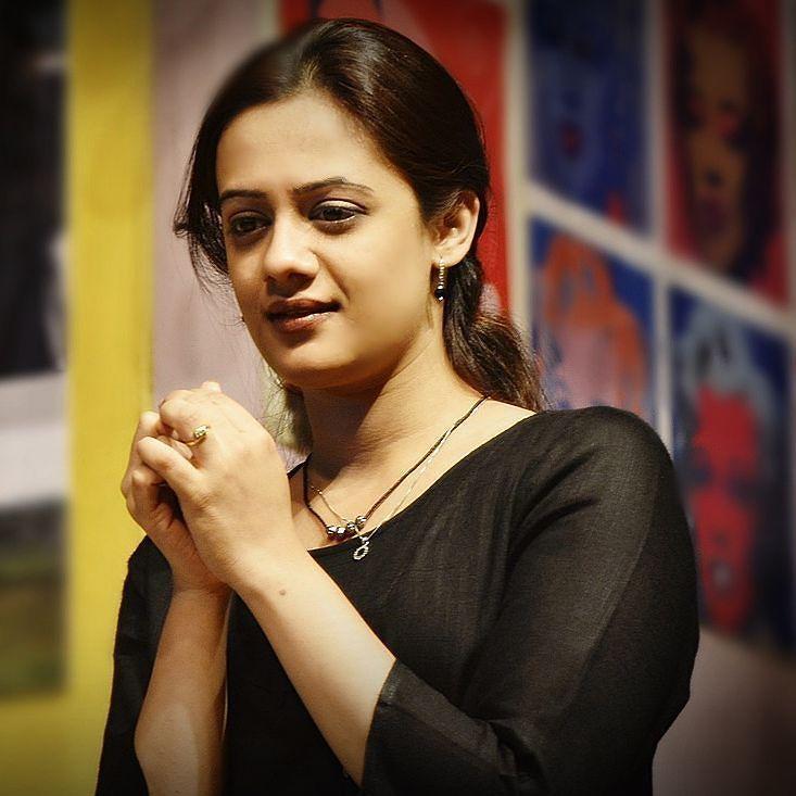 Rajdoye Marathi Celebs On Twitter Beauty Full Girl Smile Photo Long Hair Styles