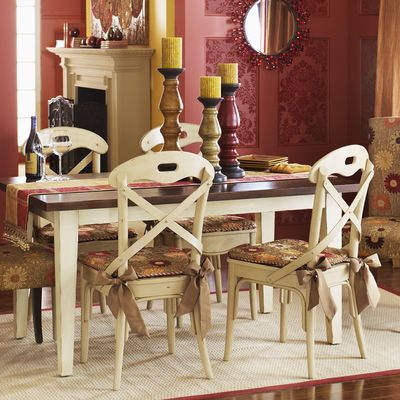 Exceptionnel Distressed Ivory Chairs And Table Legs With Distressed Black Top?