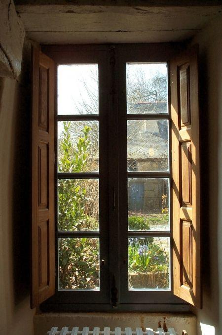 Menuiseries anciennes fabrication boiseries portails fenêtres volets gerbières