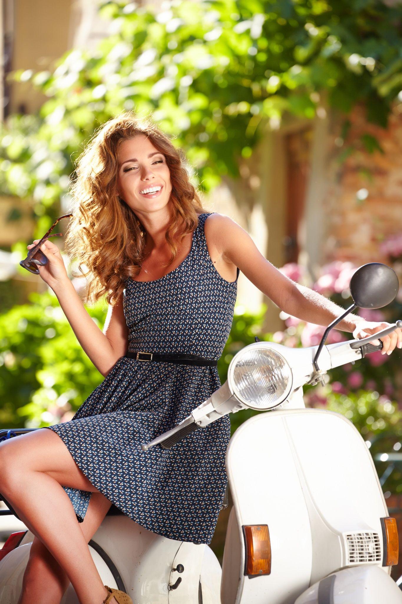 Beautiful italian women-4830