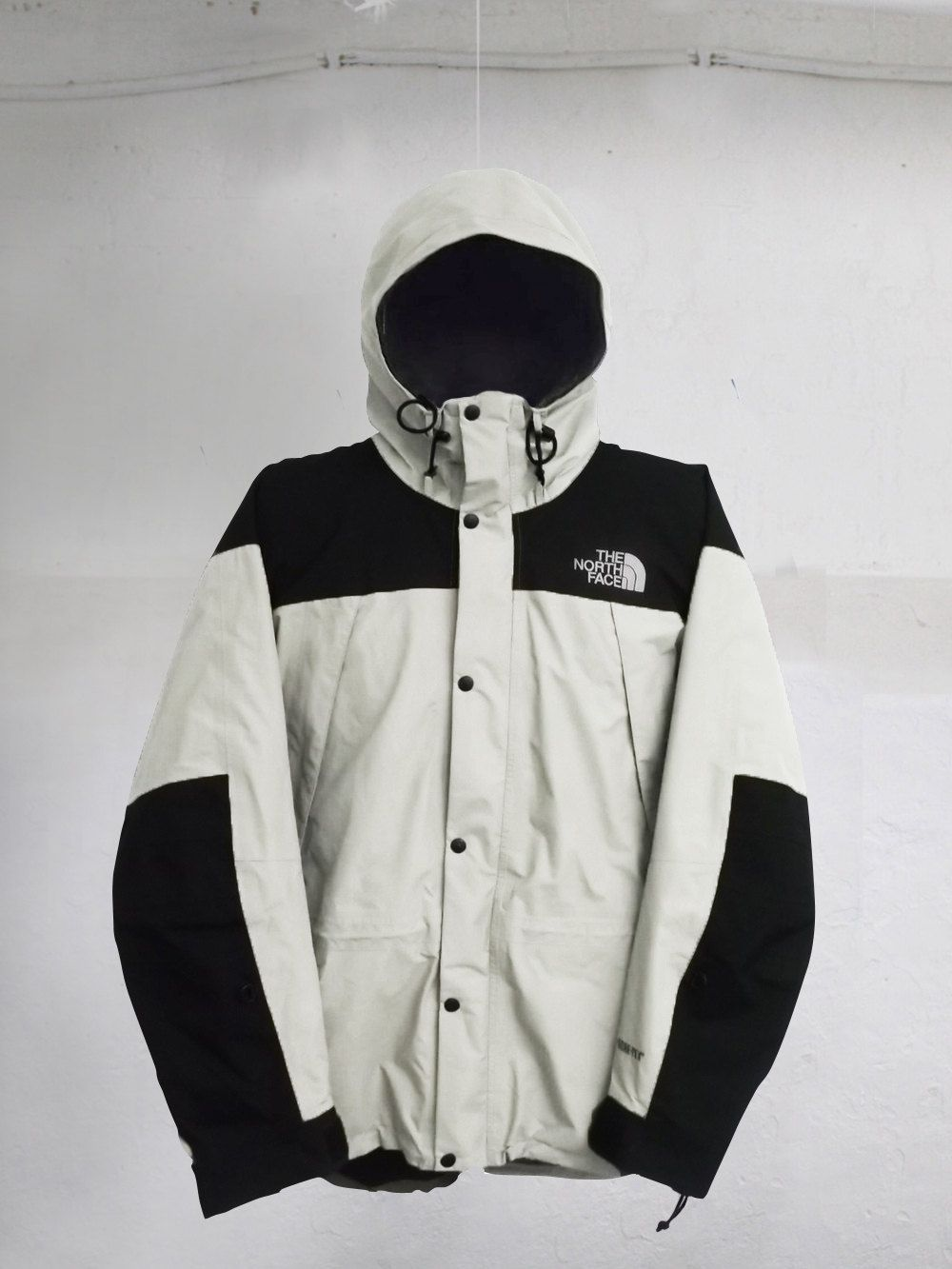 5d7f668916d4 Vintage 90s The North Face Mountain Guide Gore-Tex jacket White Black Size  S by VapeoVintage on Etsy