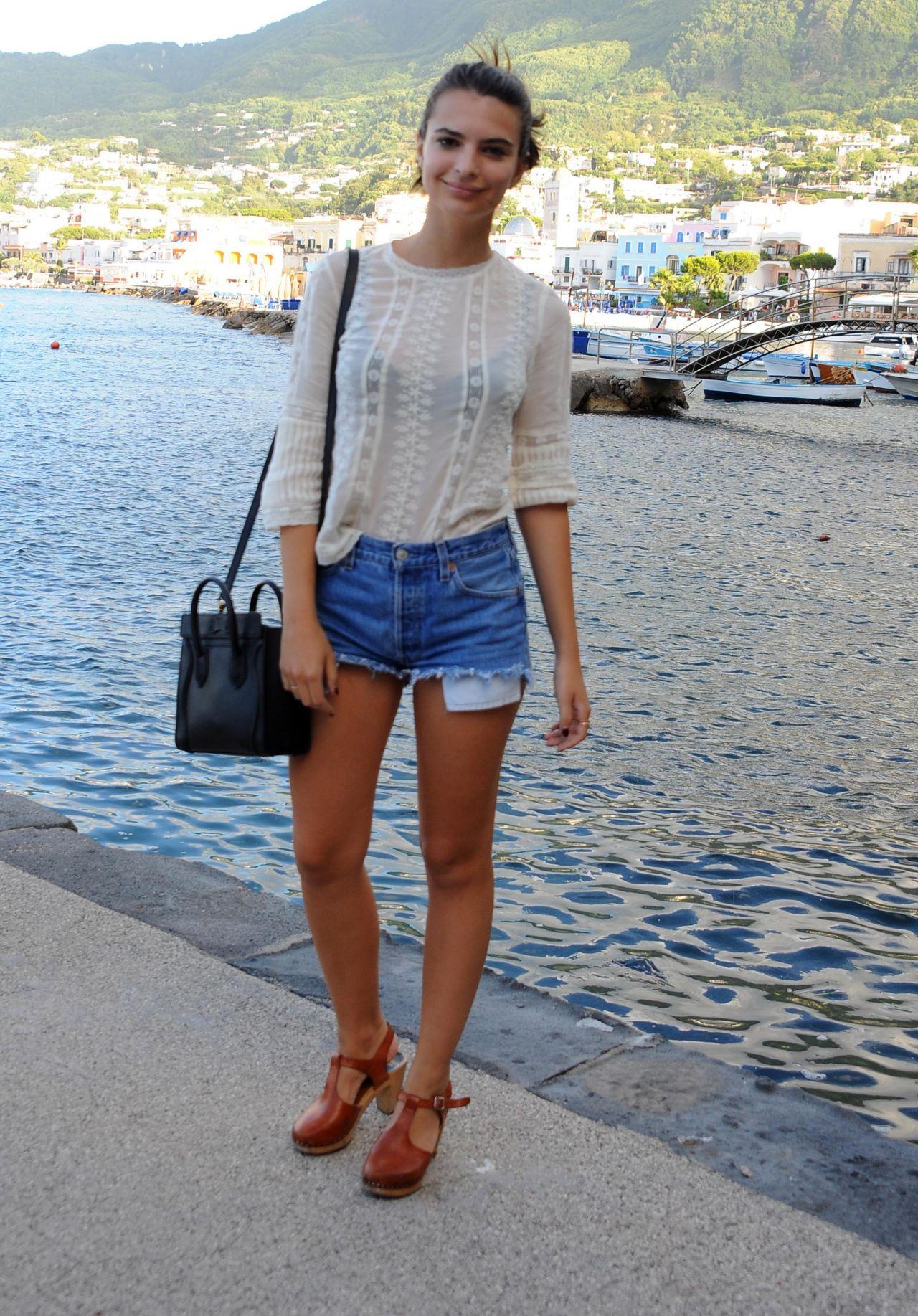 Emily Ratajkowski Perfect Ass In Thong Bikini - Hot Celebs