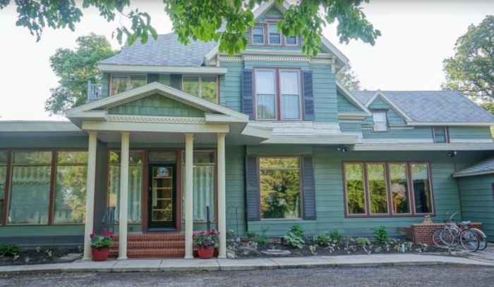 This Little Known Bed And Breakfast In North Dakota Is The Perfect Place To Get Away From It All North Dakota Bed And Breakfast Relaxing Vacations