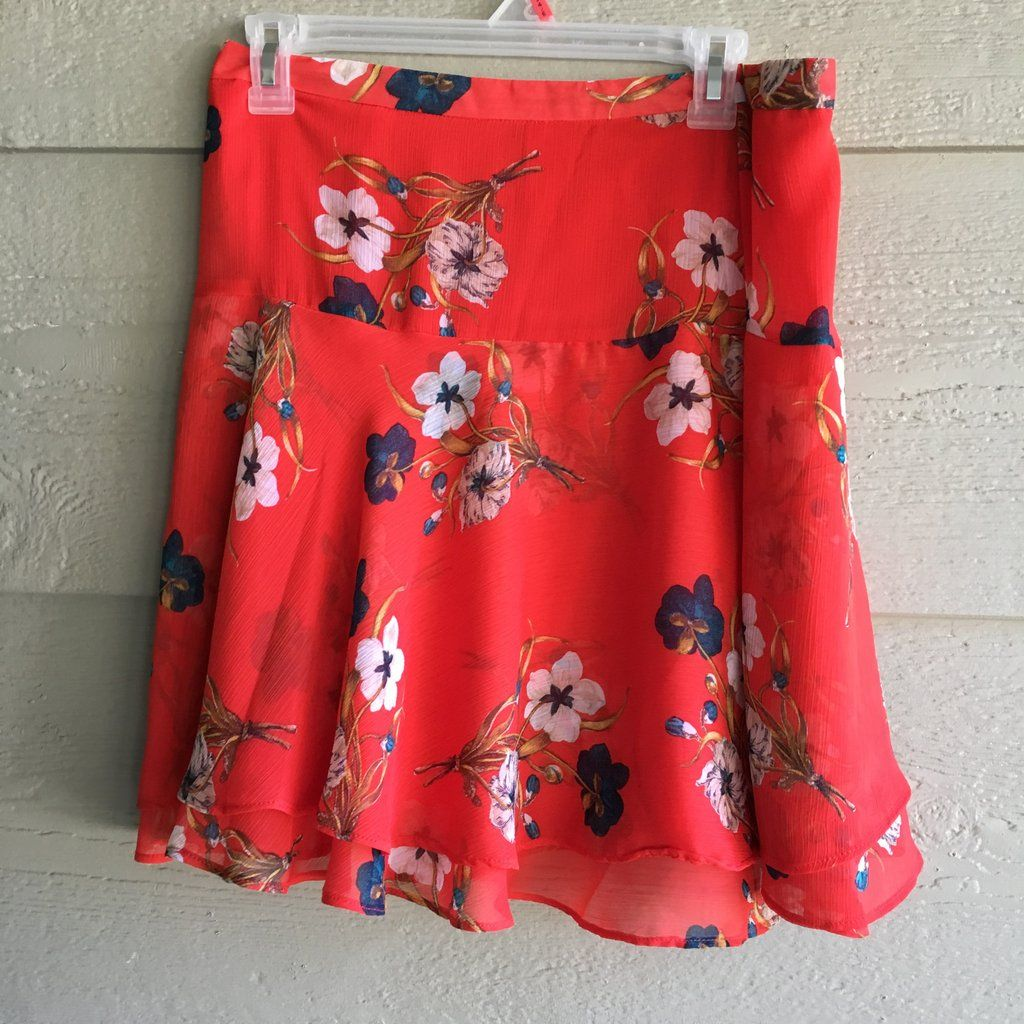 CLEARANCE 6 RED FLORAL SKATER SKIRT OLD NAVY