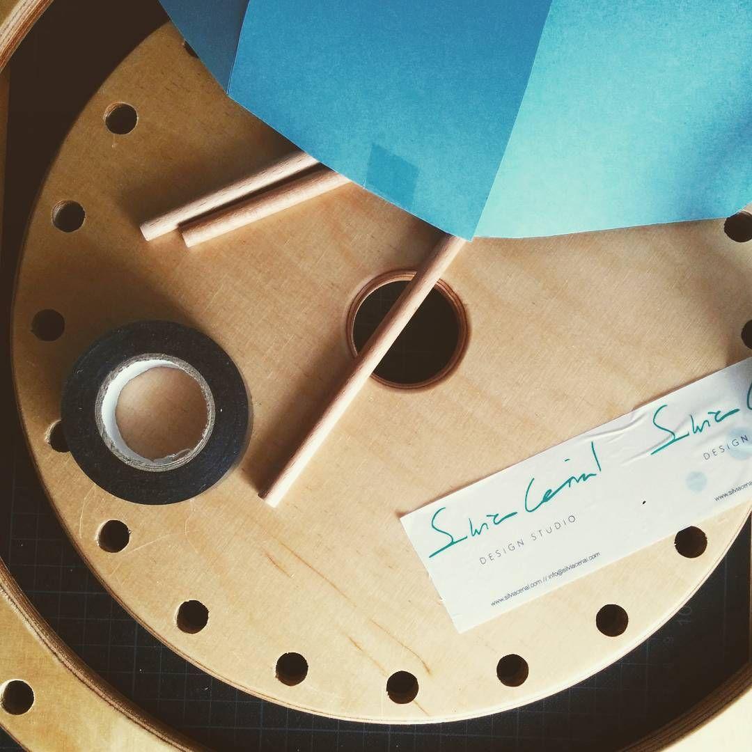 Some random stuff in our studio // Cosillas que me encuentro por el estudio  #design #diseño #trastos #designinspiration #inspiration #wood #designers #stuff #prototype #mywork #myoffice #instadesign #instadeco #designstudio #handmade