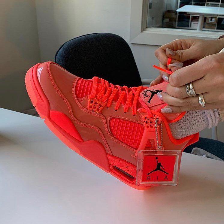 Nike Wmns Air Jordan 4 Retro NRG \