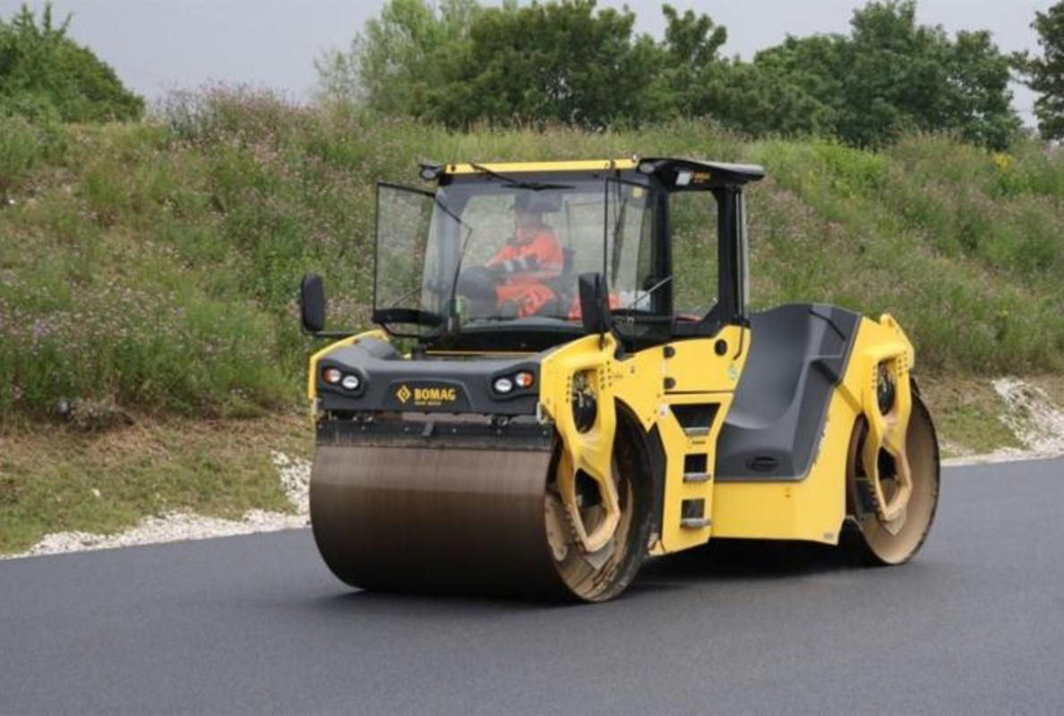 BOMAG at INTERMAT 2015: New articulated tandem rollers up to 16 t