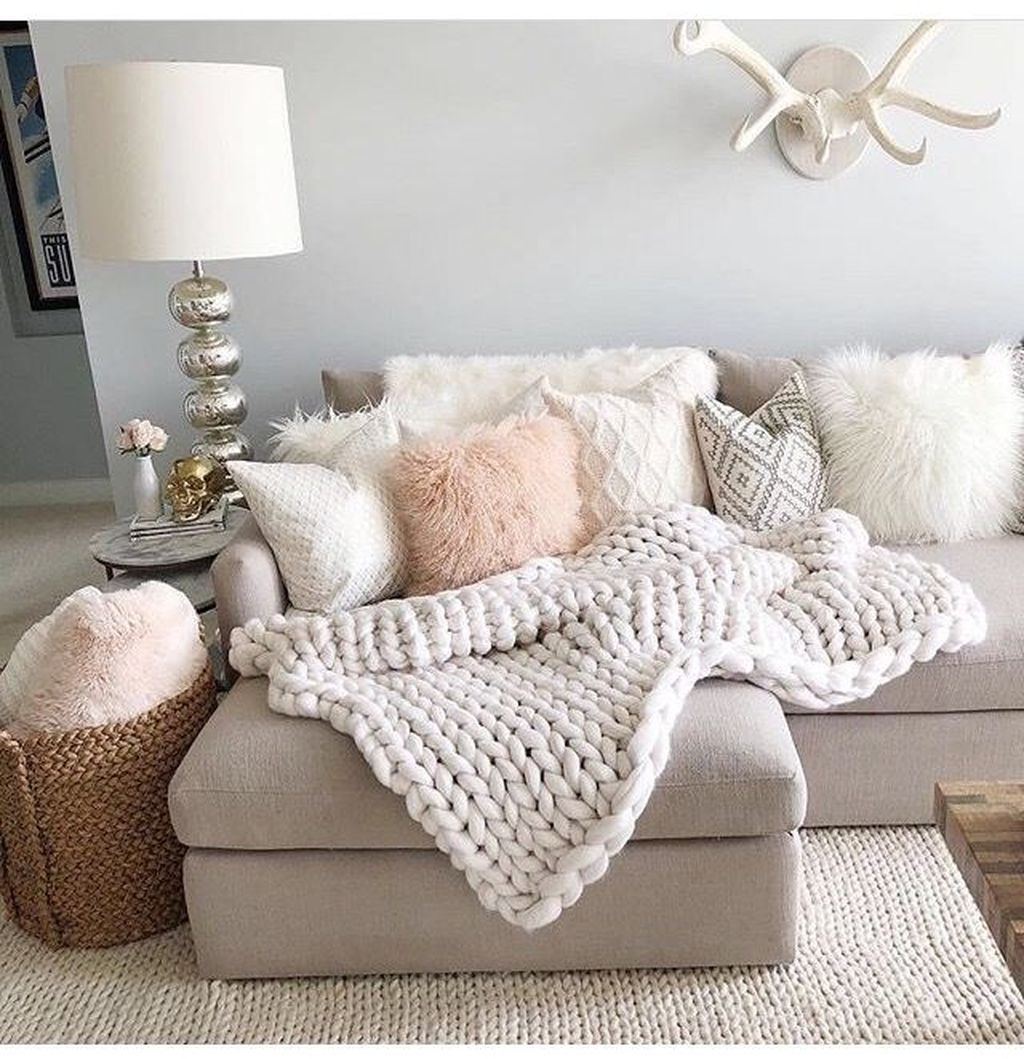 43 Cozy And Relaxing Living Room Design Ideas images