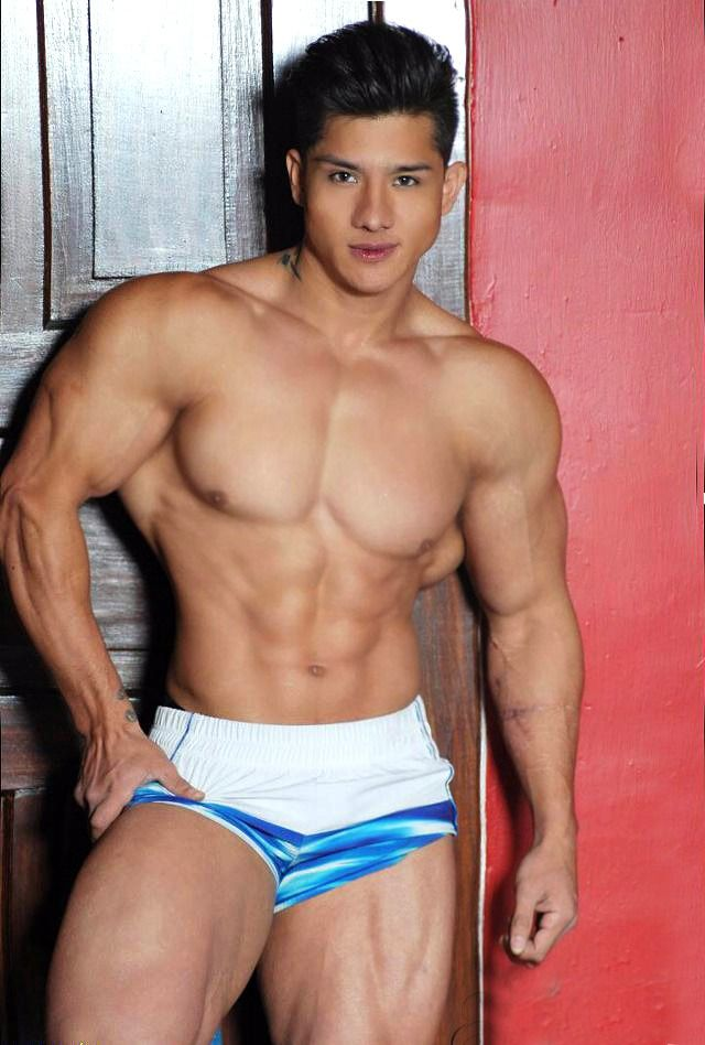 bodybuilder naked gay mexican