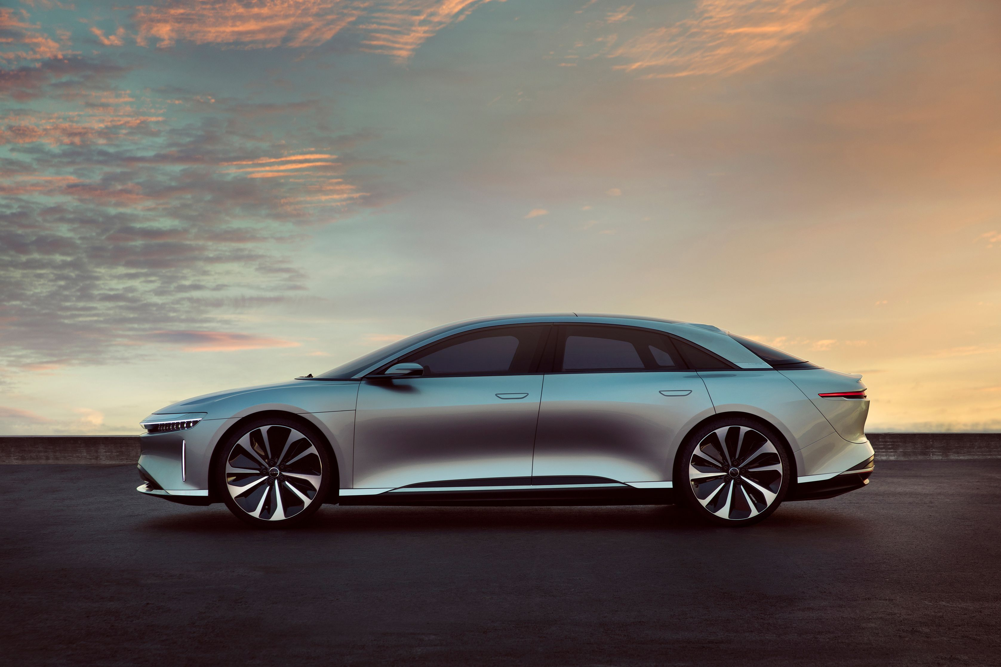 Lucid Motors Makes Its Debut Into The Electric Car Market Electric Cars Car Vehicles
