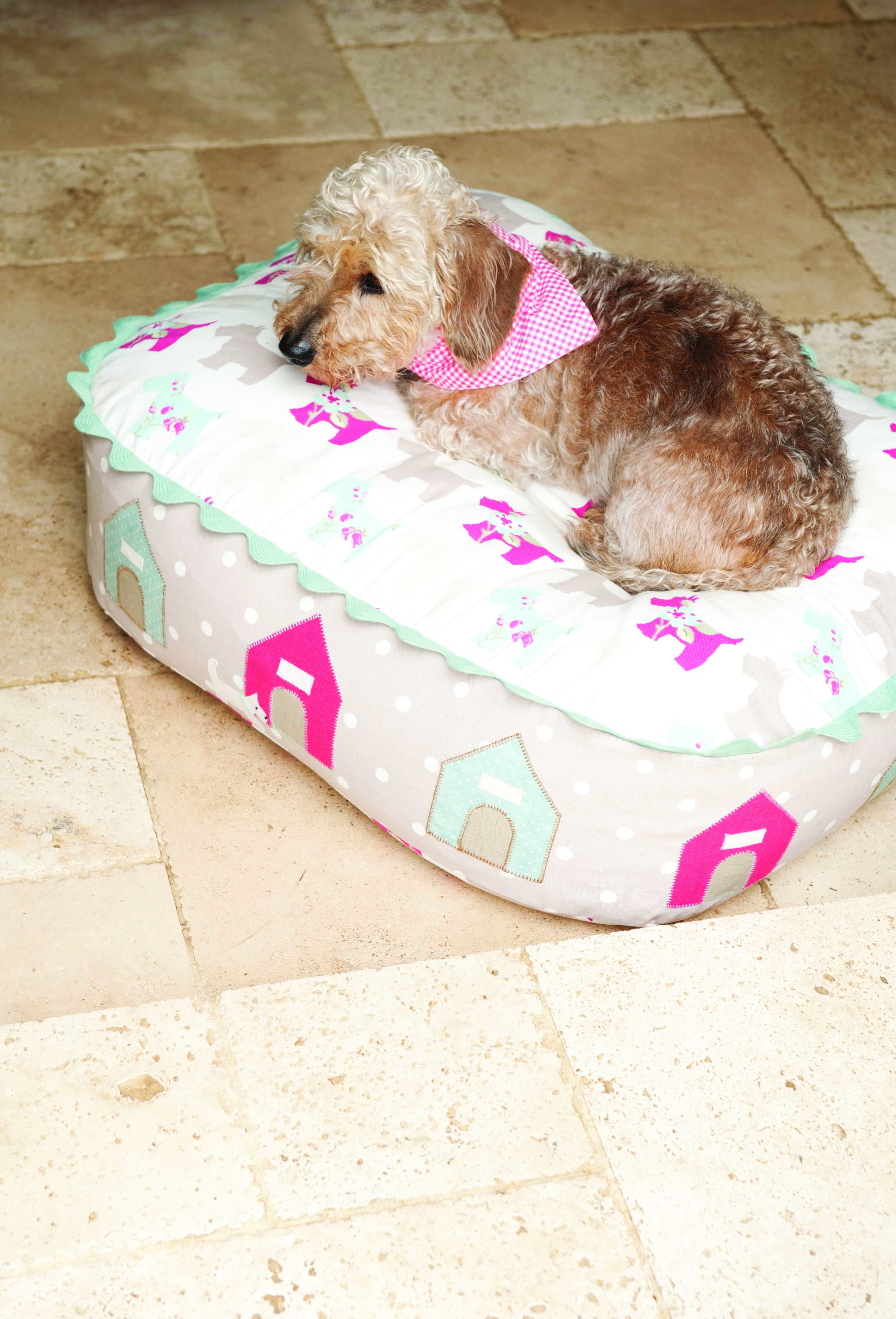 Stitch At Home 031111 487 Coles Dog Bed Cool Dog Beds Dog