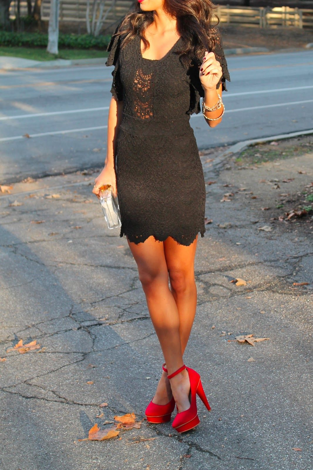 Black lace dress red pumps bridesmaids pinterest moda ropa