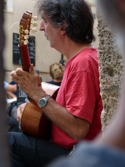 Guitarist, Caffè Le Logge, Massa Marittima