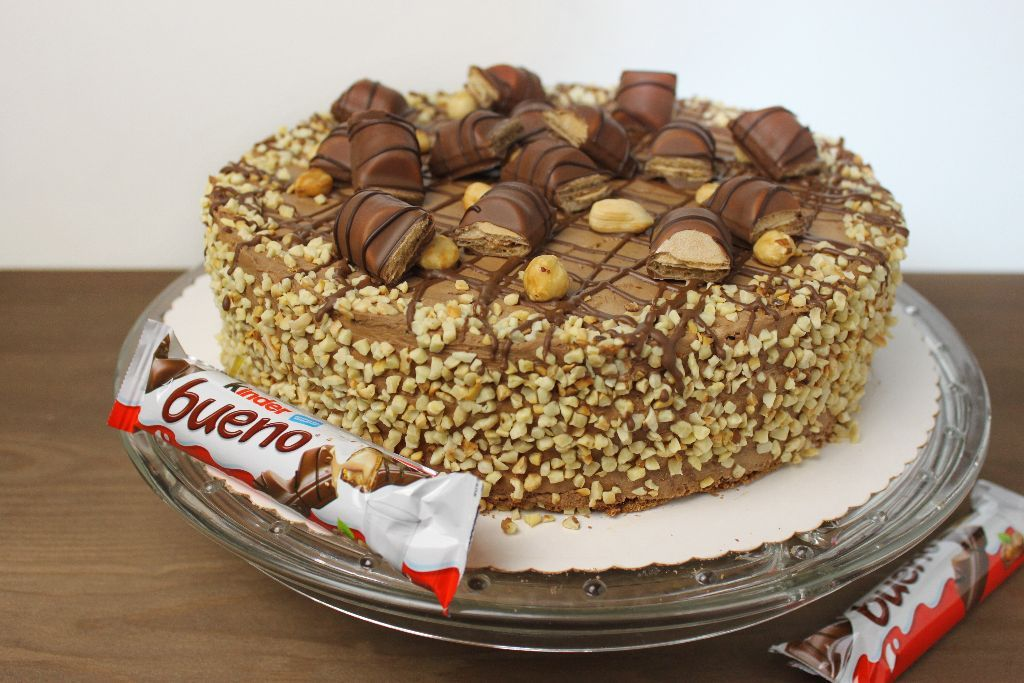 Kinder Bueno Torte backen  Torten Rezepte  KuchenSes