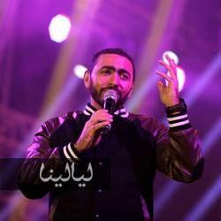 بالفيديو تامر حسني يقلد محمد السبكي وعبد الحليم حافظ Www Layalina Com Concert Fictional Characters John