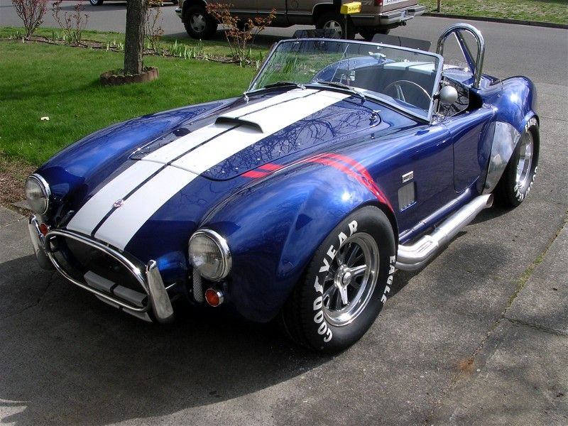 Viper Vs Shelby Cobra When Legends Collide 65 Shelby Cobra 427 S C Voiture Americaine Shelby Gt 500 Voitures De Collection