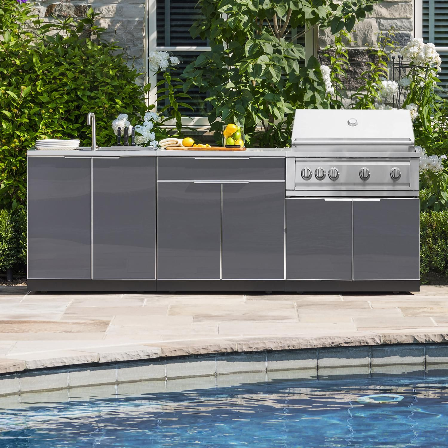 Newage Outdoor Kitchen 4 Piece Set With 33 Inch Insert Grill Cabinet Sink Bar Center And Cover Slate Gray 65277 Outdoor Kitchen Modern Outdoor Kitchen Outdoor Kitchen Island
