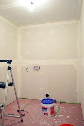 How To Tape Mud And Sand Drywall Bricolaje Para El Hogar Proyectos De Mejoras Para El Hogar Renovaciones De Casa