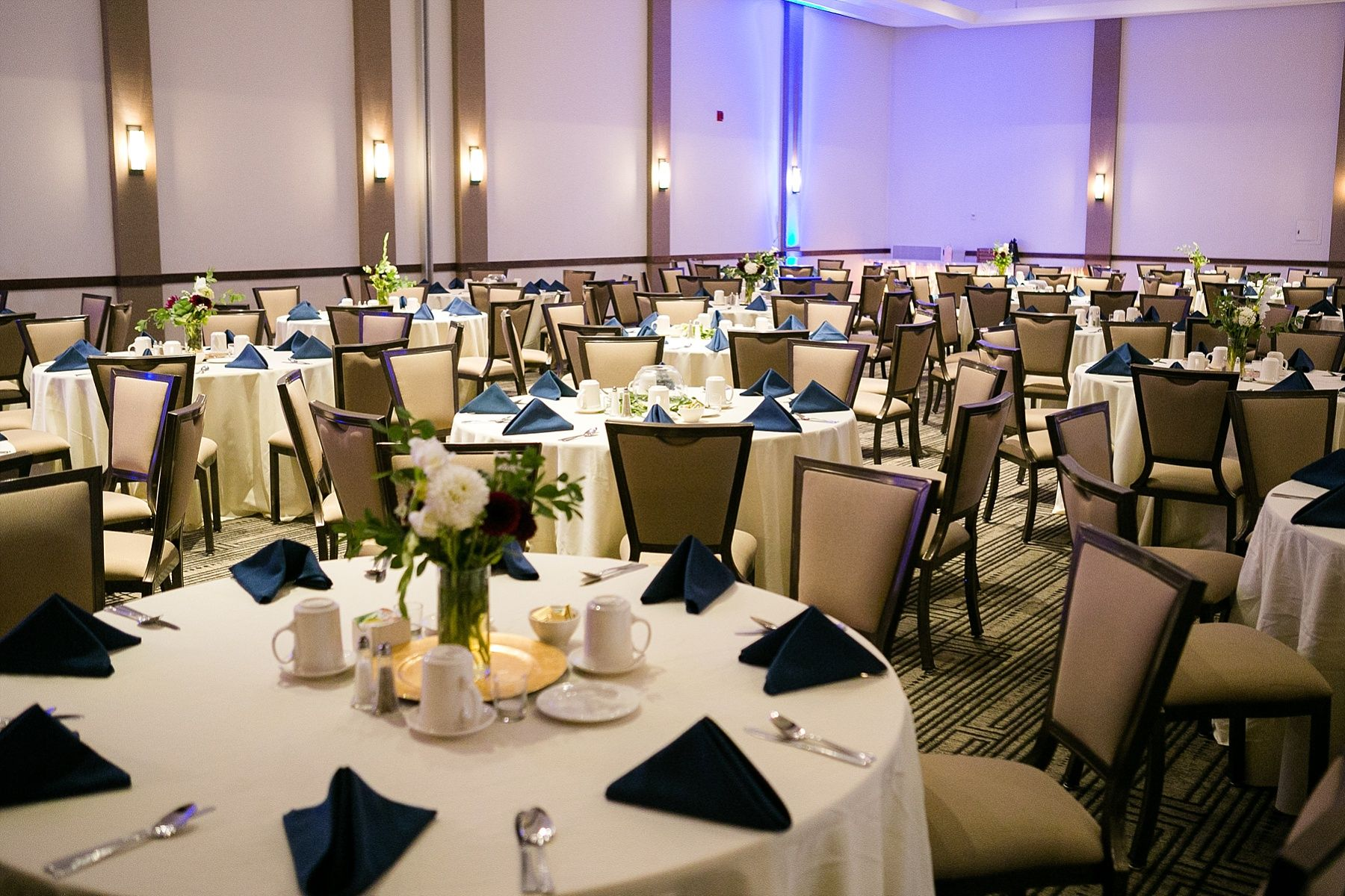 The Lismore Hotel Ballroom In Eau Claire Wi Set For A Wedding