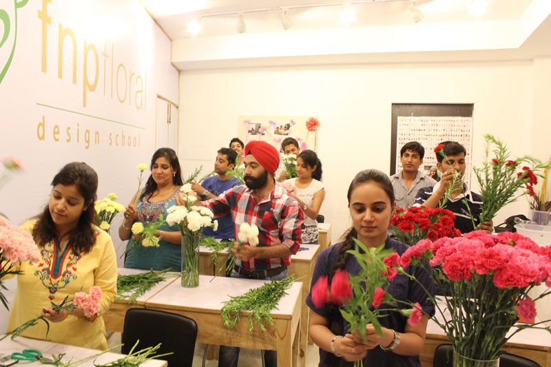 Are You Planning To Learn Floral Course Fnp Design School Offers Basics Advanced
