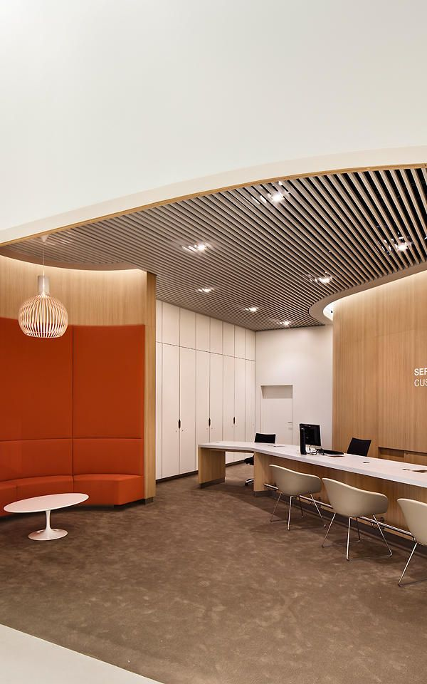 Airport Lounge Simulates An Urban Park To Soothe Harried Flyers Lounge Interiors Lounge Design Interior