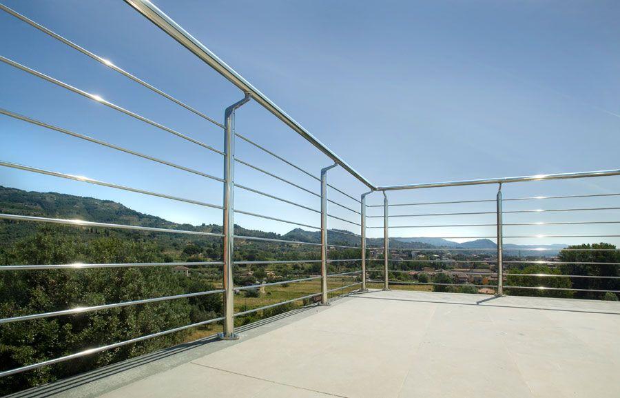 In questo modo il ferro si corroderà fino a raggiungere l'invecchiamento voluto. Ringhiere Per Esterno Exterior Handrail Balcony Railing Design Banisters