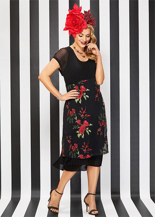 41d93f6da3287 Step out in style in the latest Plus Size women's clothing from ...