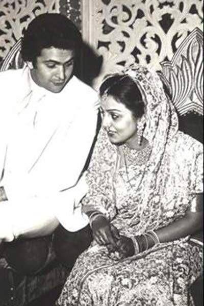 Rishi Kapoor and Neetu Singh's love saga - The Times of India   Neetu singh,  Rishi kapoor, Troubled marriage