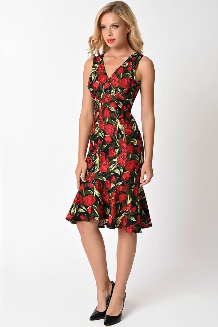 Ornate red tulips enrich a curve-hugging mermaid-cut cocktail midi dress a0e98eee8