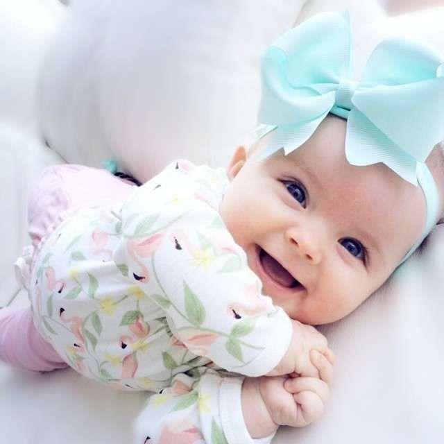En Tatli Bebekler Fotolari Mavi Gozlu Bebek Kiz Bebek Isimleri Bebek Resimleri