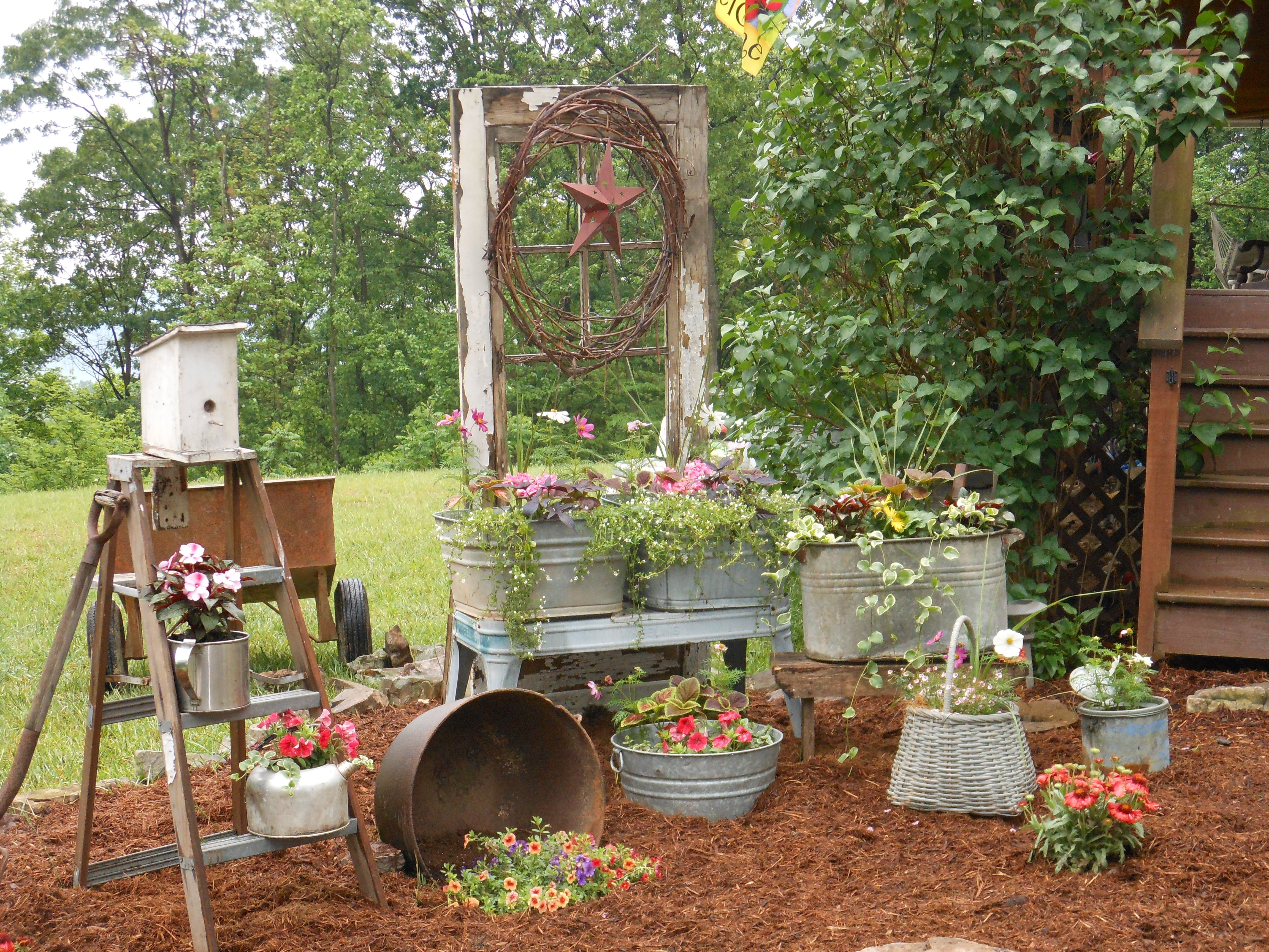 Original flowerbed from the wheel for garden decoration