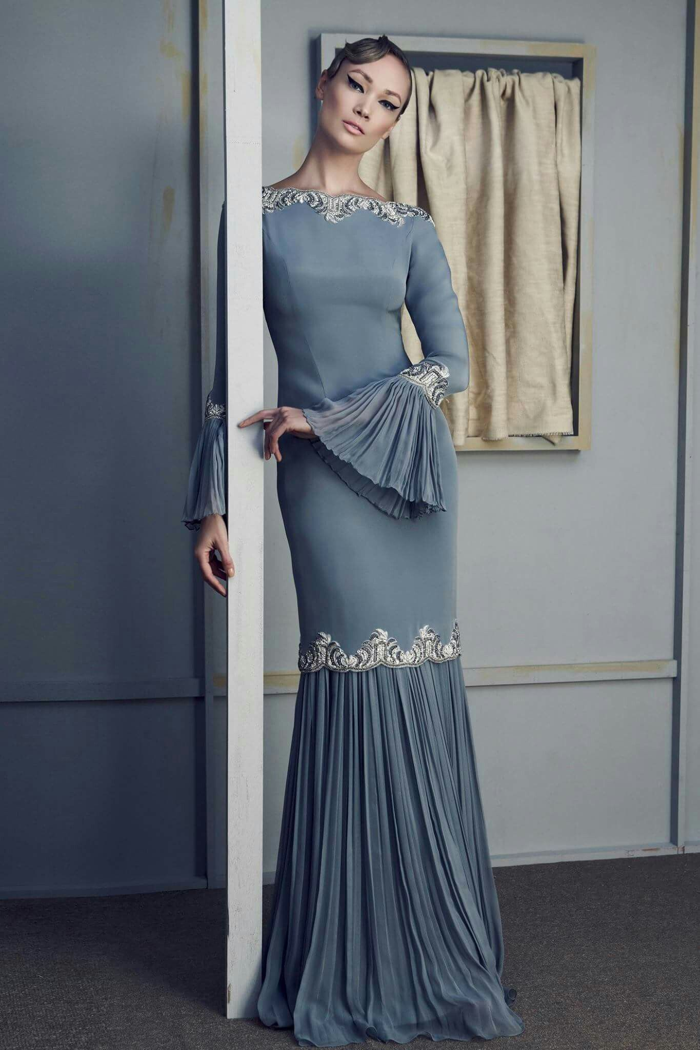 Pin by sinta dewi on fashion pinterest baju kurung kebaya and gowns