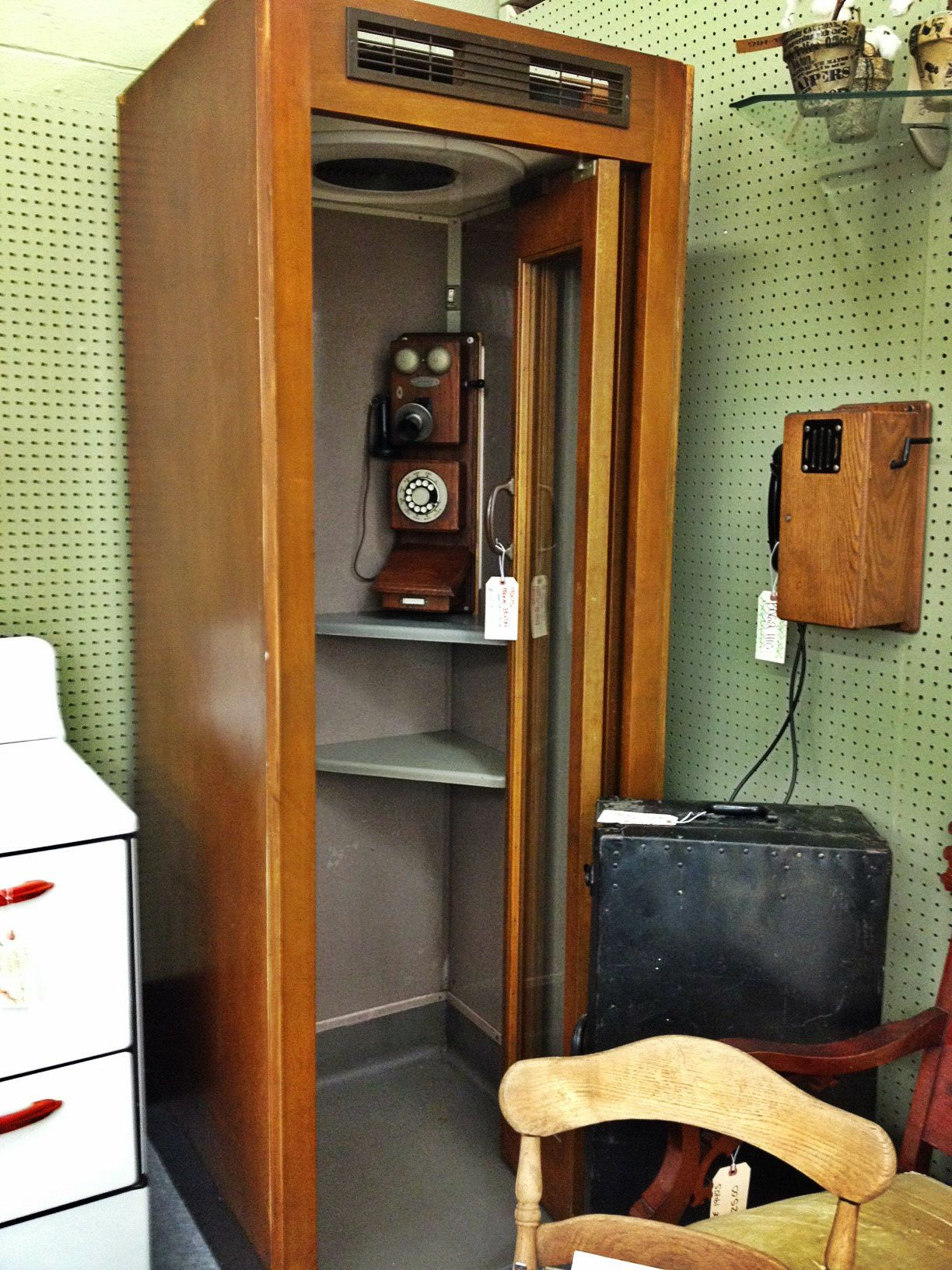 Vintage Phone Booth......is Superman Waiting To Use It? Stop In At Benu0027s  Antiques U0026 Market In Douglasville To Find Out!